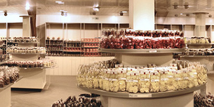 The team at Pegasus Packaging is the ideal partner to provide you with everything for your confectionery store's packaging requirements.